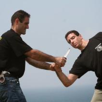 Defensa Personal ante Armas   - 10 horas